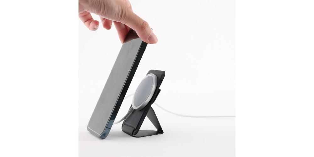 「MOFT Snap-On iPhone12シリーズ専用スタンド」のおすすめの使い方