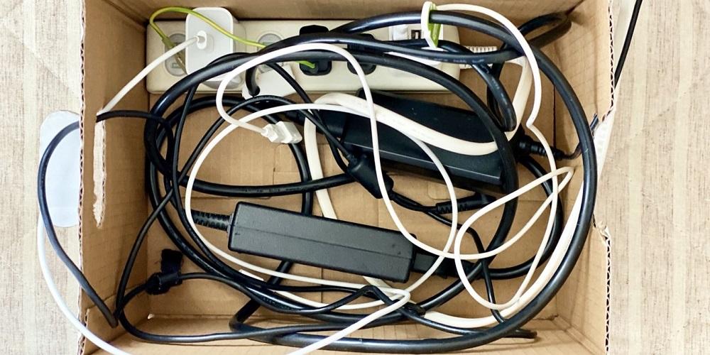 「ECT-0720」でデスク周りの配線を整理しよう